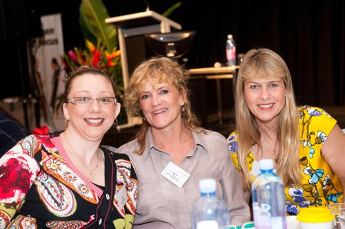 Jodie, Karen James and Terri Irwin (Australia Zoo)